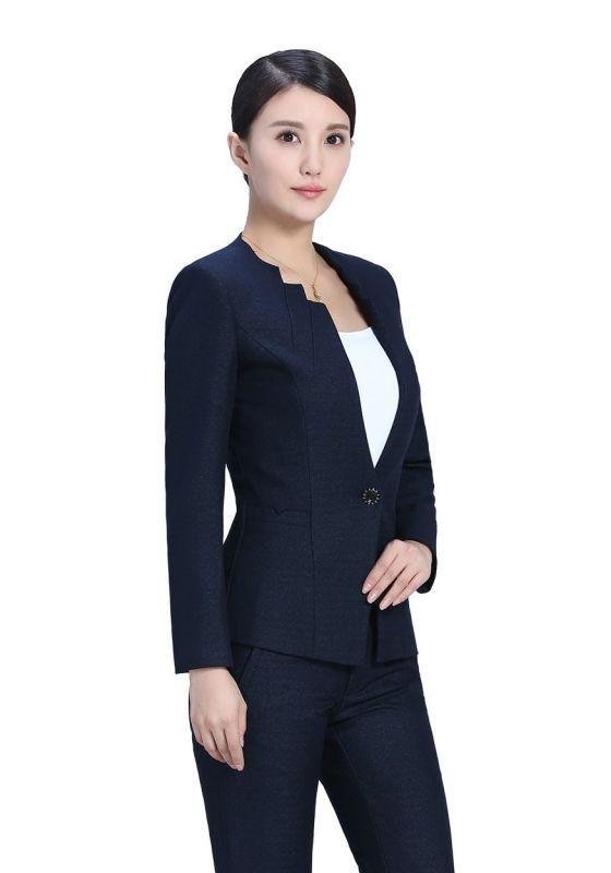 女士工作服着装的选择及搭配方式